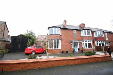 3 bedroom semi-detached house for sale - Briarlands Avenue, Sale