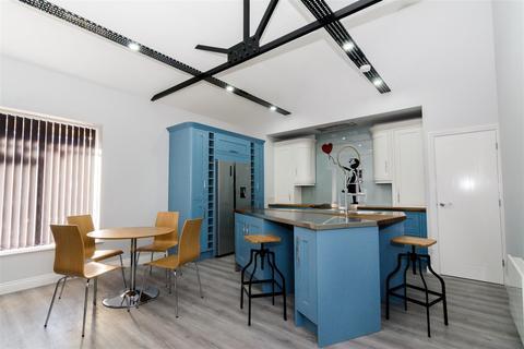 2 bedroom apartment to rent - Low Lane, Horsforth, Leeds