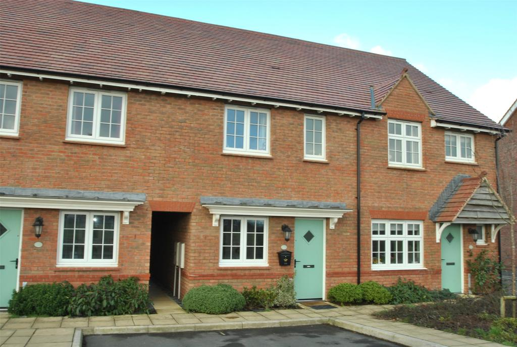 3 Bedrooms Terraced House for sale in Park Grove, Holsworthy