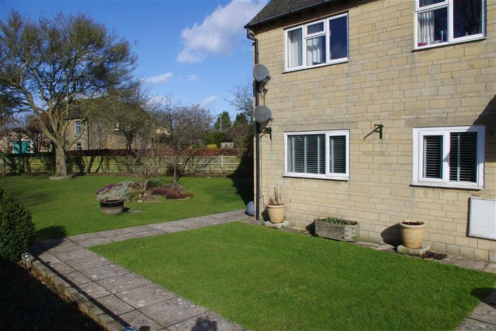 1 Bedroom Flat for sale in Bridgeside, Bourton-on-the-Water, Gloucesteshire