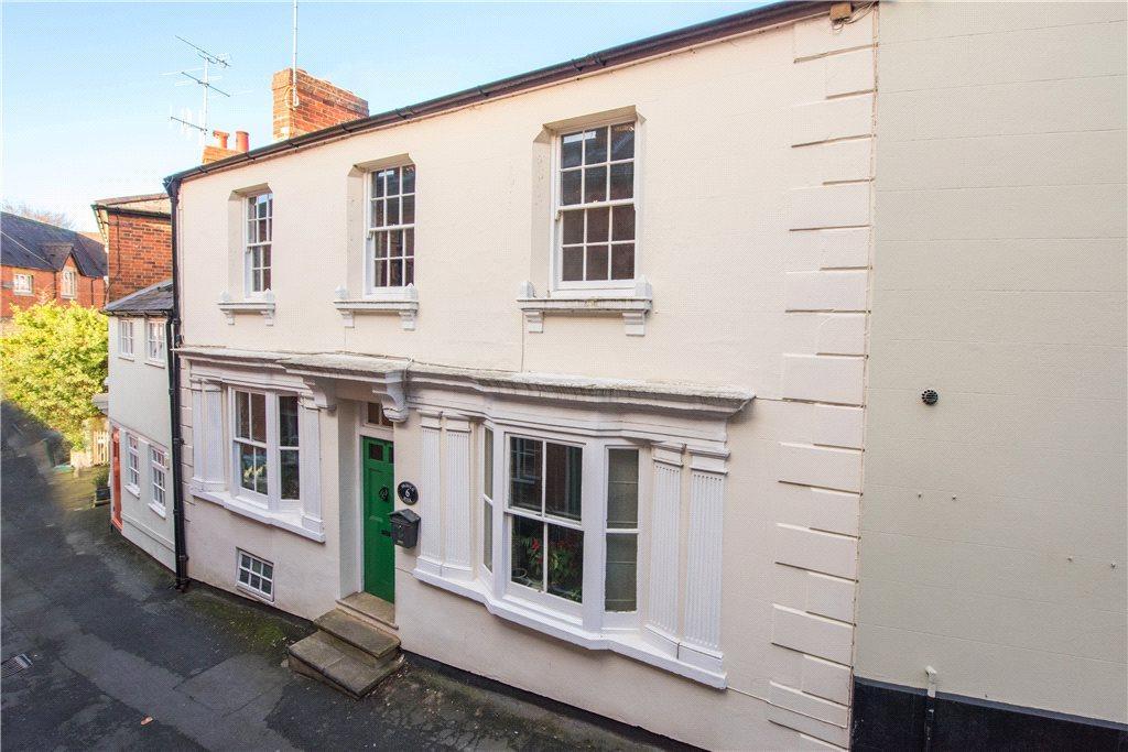 4 Bedrooms Terraced House for sale in Bristle Hill, Buckingham, Buckinghamshire