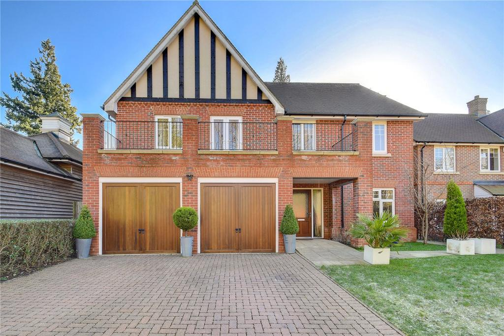 4 Bedrooms House for sale in Moorlands Close, Hindhead, Surrey