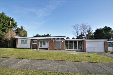 3 bedroom bungalow to rent - Seven Stones Drive CT10