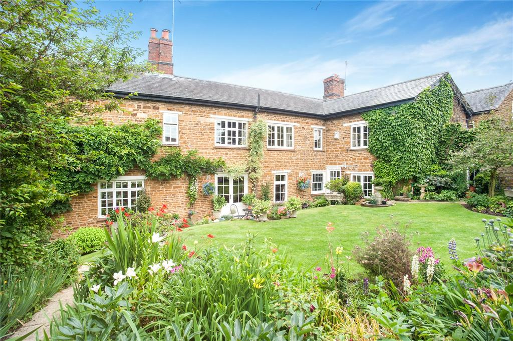 4 Bedrooms Detached House for sale in Harborough Road, Brixworth, Northamptonshire, NN6