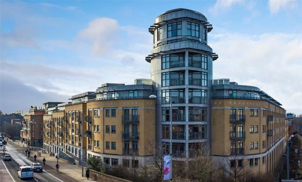 3 Bedrooms Apartment Flat for sale in The Belvedere, Homerton Street, Cambridge