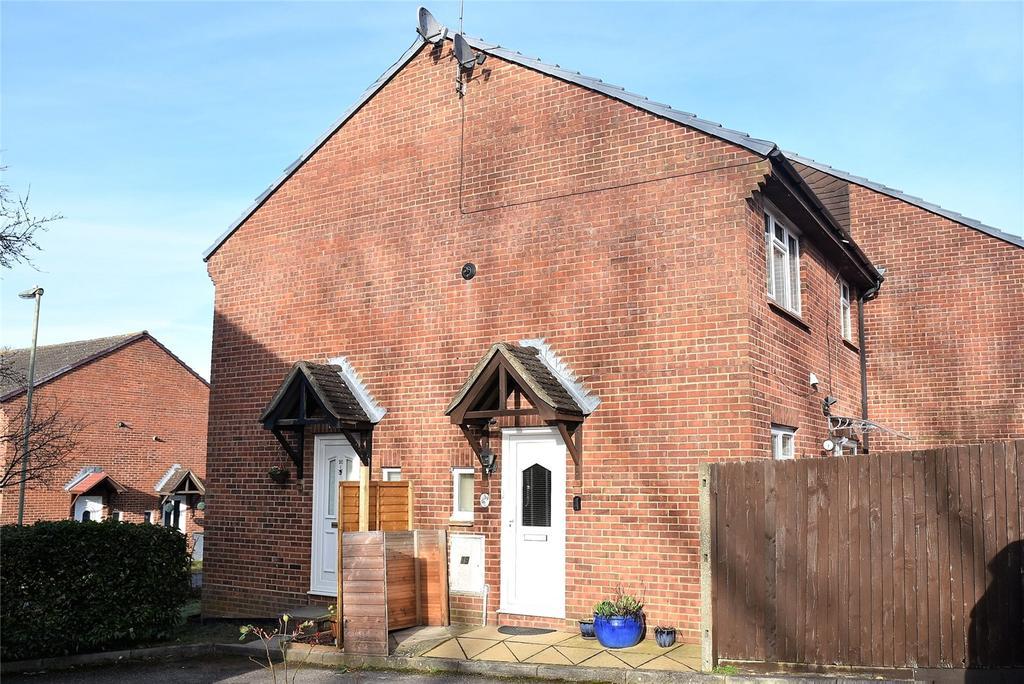 1 Bedroom House for sale in Mortimer Gardens, Tadley, Hampshire, RG26