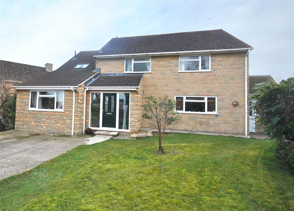 4 Bedrooms Detached House for sale in Rackclose Park, Chard, Somerset, TA20