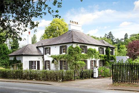 Search 5 Bed Houses For Sale In Windsor And Maidenhead | OnTheMarket