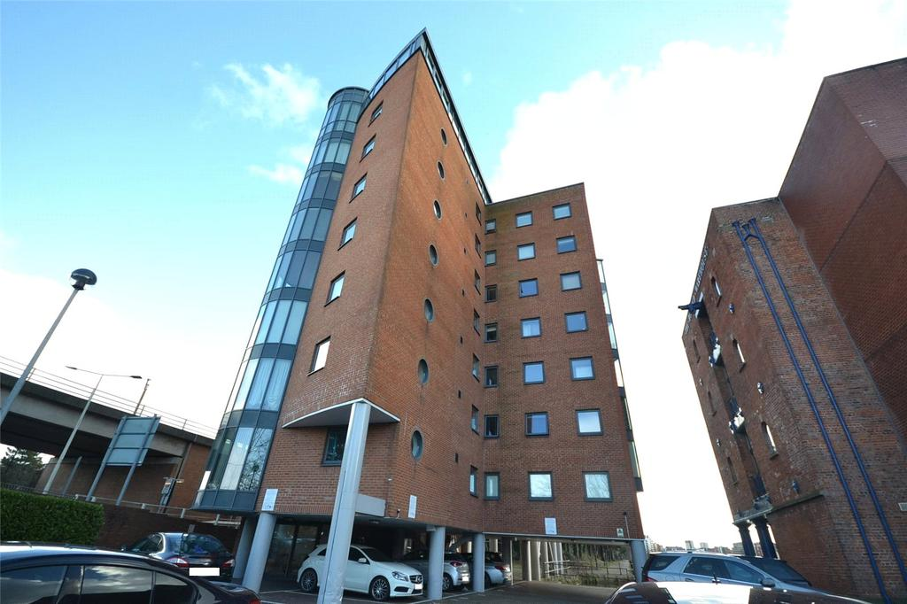 2 Bedrooms Apartment Flat for sale in City Wharf, Atlantic Wharf, Cardiff Bay, Cardiff, CF10