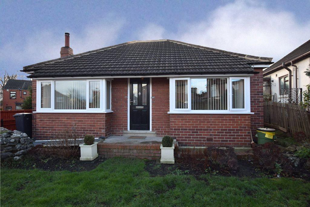3 Bedrooms Detached Bungalow for sale in Green Hill Lane, Leeds, West Yorkshire