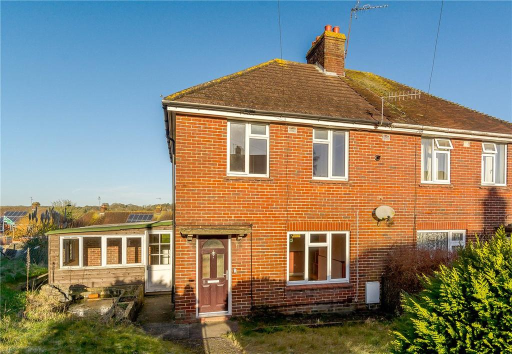 3 Bedrooms Semi Detached House for sale in Cherry Orchard, Marlborough, Wiltshire, SN8