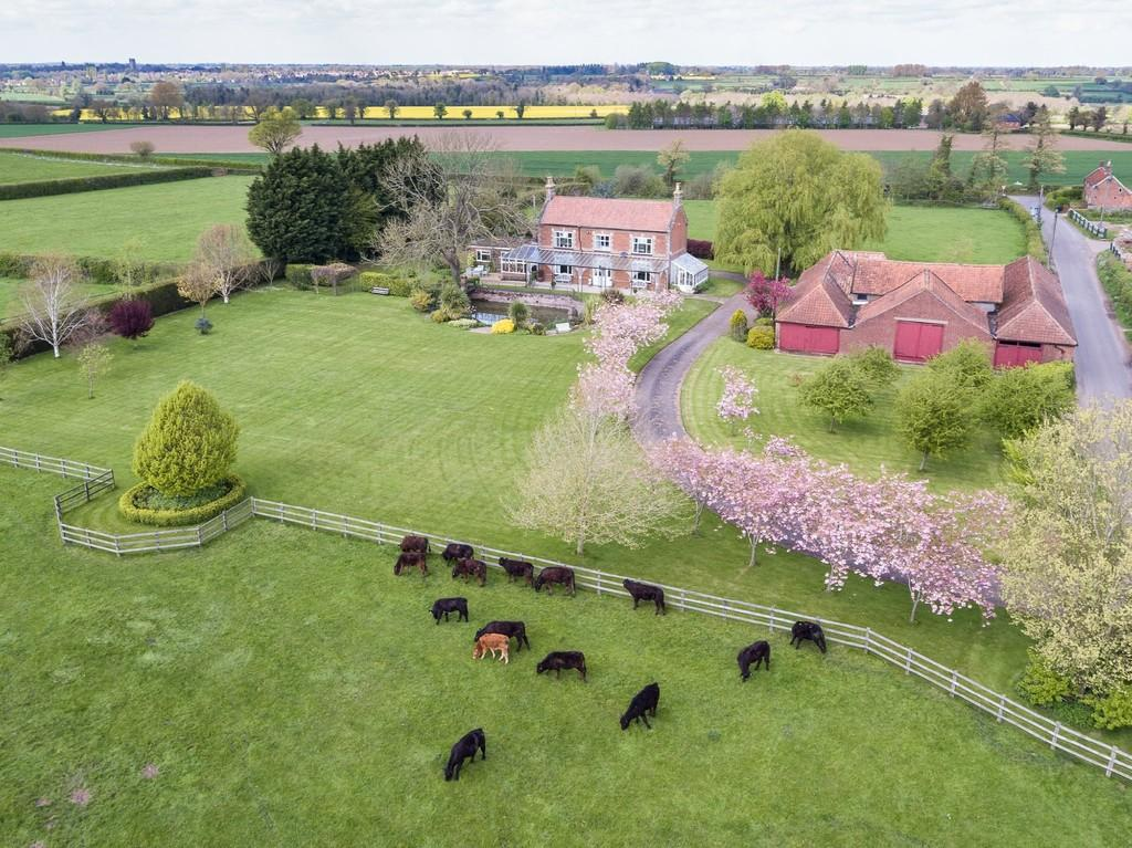 3 Bedrooms Farm House Character Property for sale in Deopham, Wymondham, Norfolk