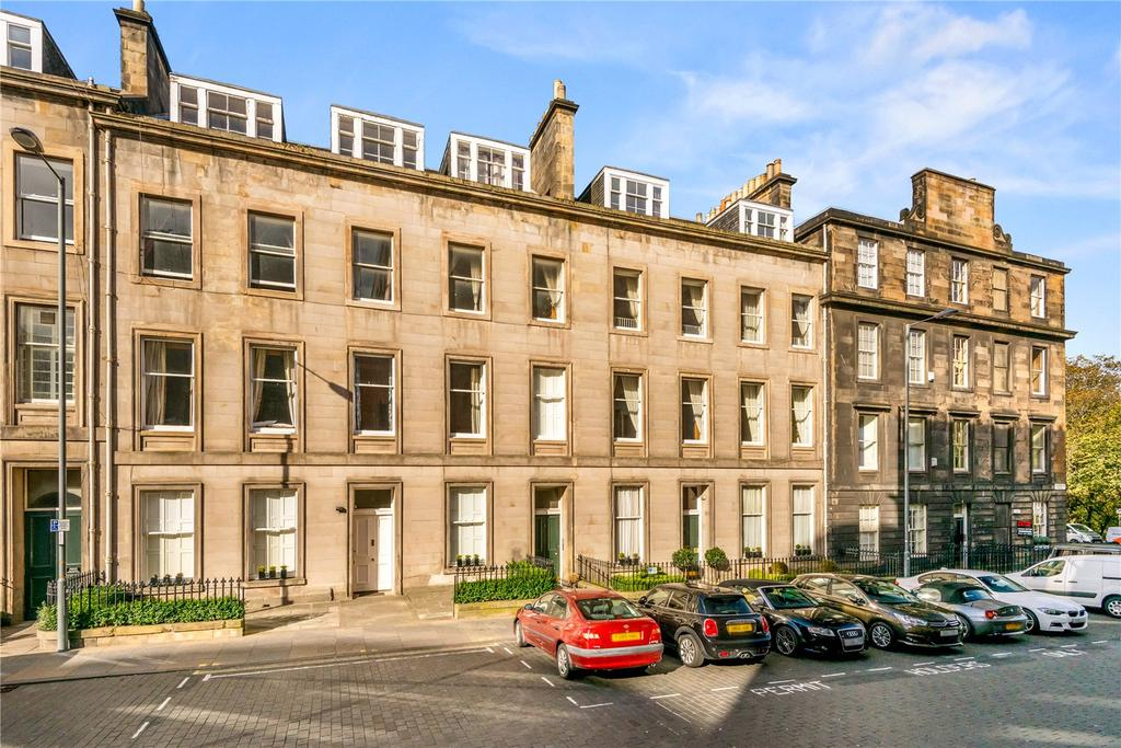 3 Bedrooms Flat for sale in Flat 6, 3 Cambridge Street, City Centre, Edinburgh, EH1