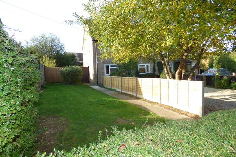 2 bedroom property with land for sale - Bledington
