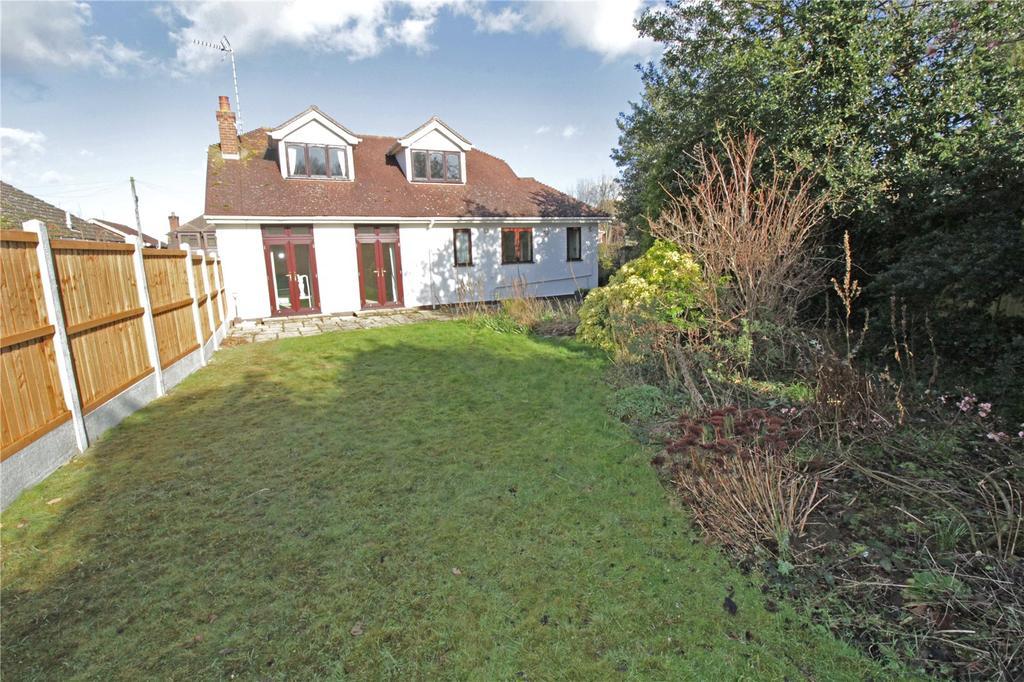 3 Bedrooms Detached Bungalow for sale in Alexander Road, Langdon Hills, Essex, SS16