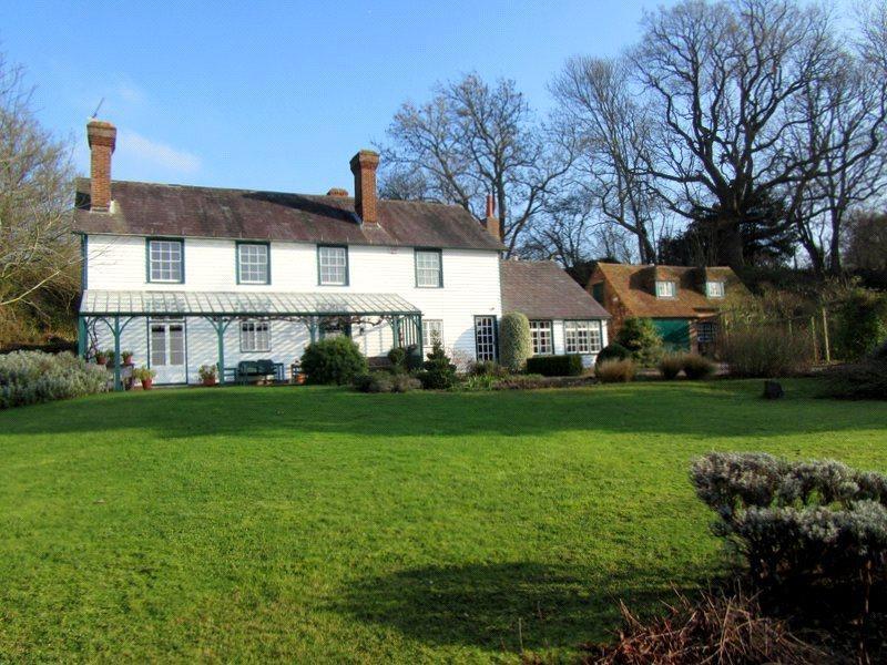 5 Bedrooms Detached House for sale in Link Hill Lane, Egerton, Kent, TN27