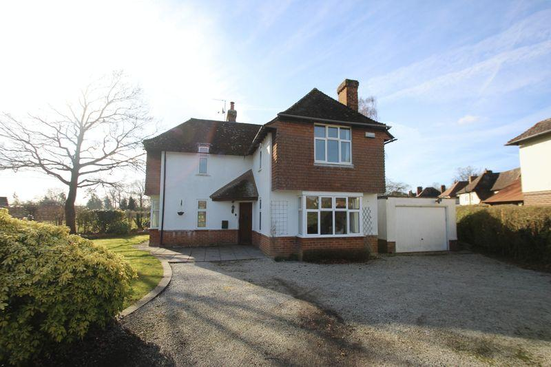 3 Bedrooms Detached House for sale in Riding Lane, Hildenborough