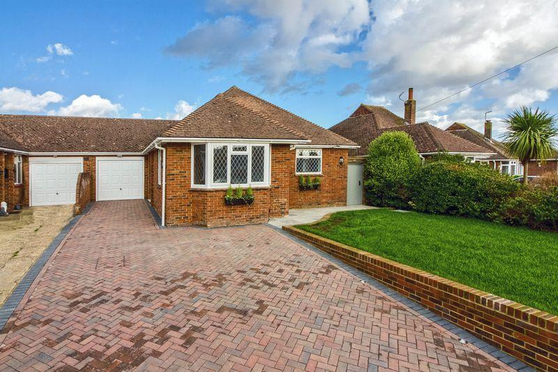 3 Bedrooms Bungalow for sale in Langbury Lane, Ferring