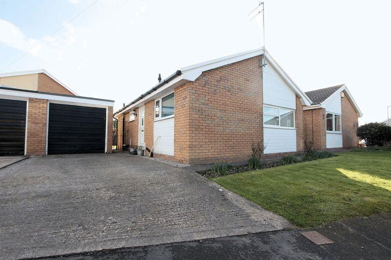 2 Bedrooms Detached Bungalow for sale in Llys Tudur, Rhyl