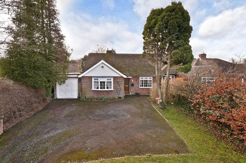 4 Bedrooms Detached Bungalow for sale in Mill Street, East Malling