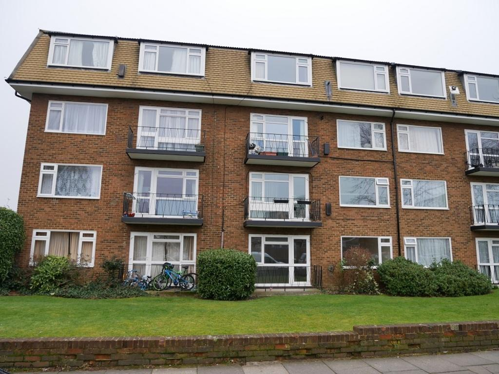 2 Bedrooms Ground Flat for sale in Rodney Close, New Malden KT3 5AA