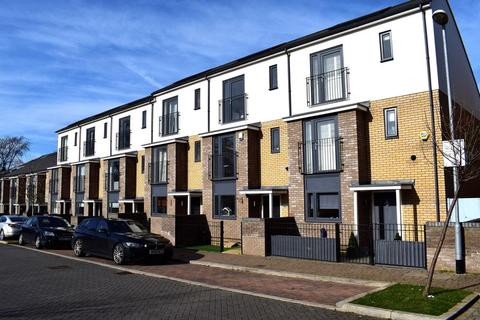 3 bedroom terraced house for sale - Vince Dunn Mews, Old Harlow