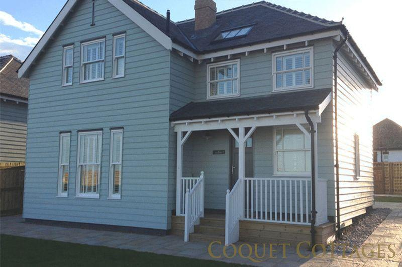 4 Bedrooms Detached House for sale in Links Road, Bamburgh