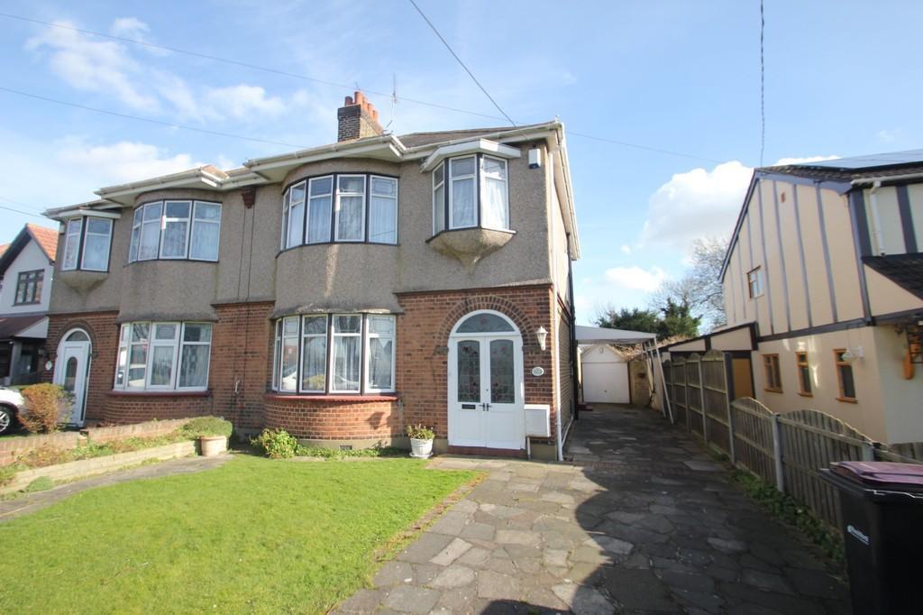 3 Bedrooms Semi Detached House for sale in Stambridge Road, Rochford