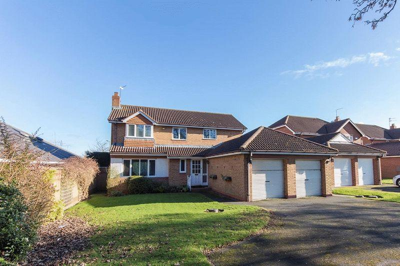 4 Bedrooms Detached House for sale in Baronswood, Gosforth, Newcastle upon Tyne