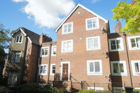 2 bedroom apartment to rent - Upton Park, Slough Central