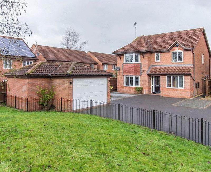 4 Bedrooms Detached House for sale in LANTERN GROVE, MICKLEOVER