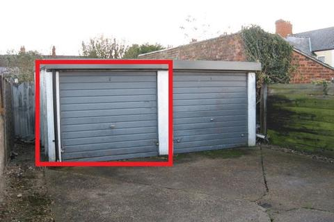 Apartment to rent - Garage To Let, Alexandra Park, Mablethorpe