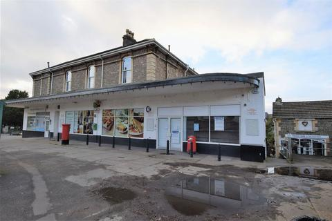 Property to rent - Prime retail location in Clevedon's busy Six Ways