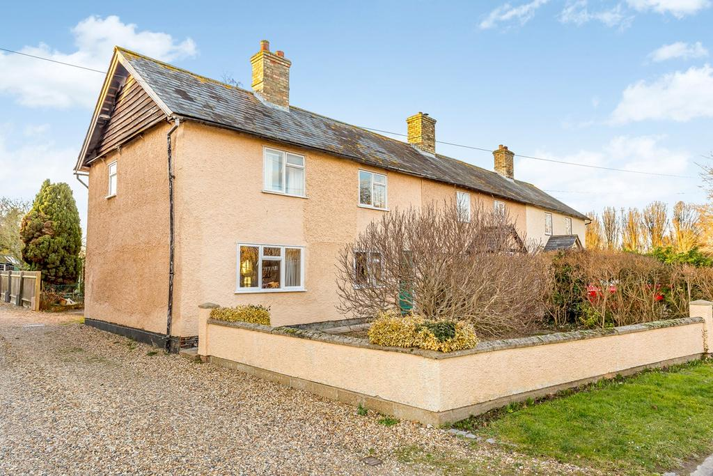 3 Bedrooms Terraced House for sale in South End, BASSINGBOURN, SG8