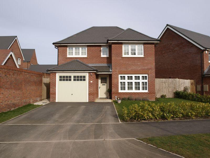 4 Bedrooms Detached House for sale in Woods Road, Hartford, CW8 1SF