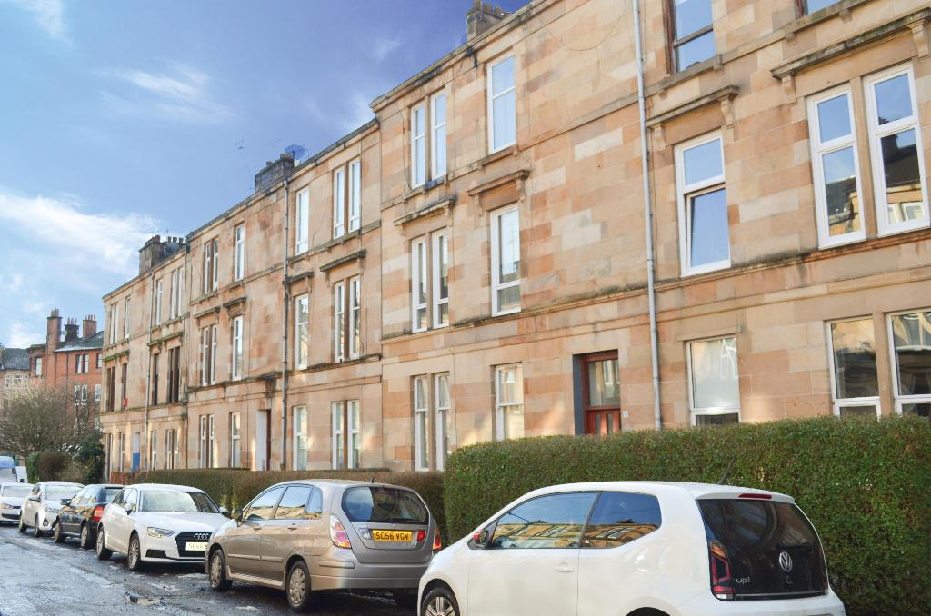 2 Bedrooms Flat for sale in Grantley Street , Flat 0/2, Shawlands , Glasgow, G41 3PU
