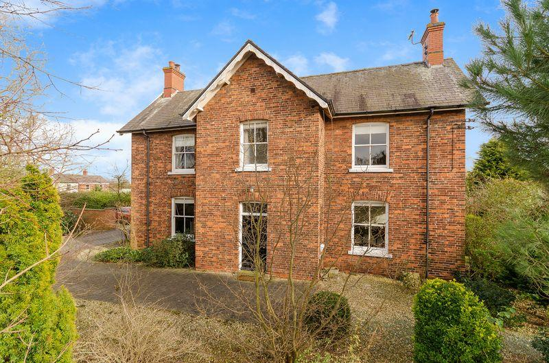 5 Bedrooms Detached House for sale in Home Farm, Main Road, Laughterton