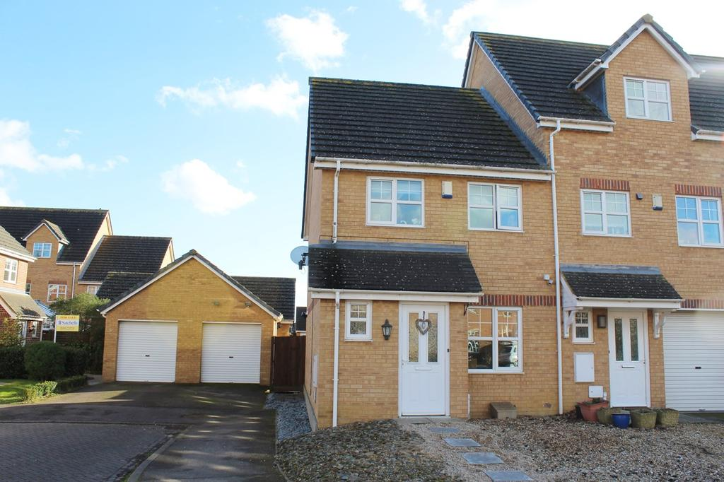 3 Bedrooms Semi Detached House for sale in Signal Close, Lower Stondon, Henlow, SG16