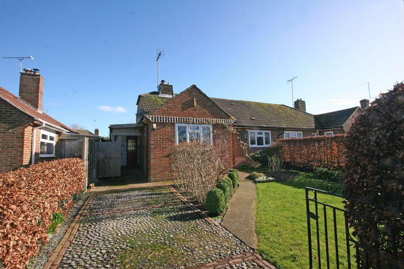 3 Bedrooms Detached House for sale in Manor Way, Henfield