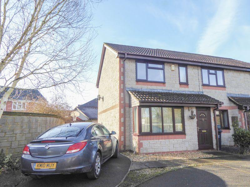 3 Bedrooms Semi Detached House for sale in Trajans Way, Shepton Mallet