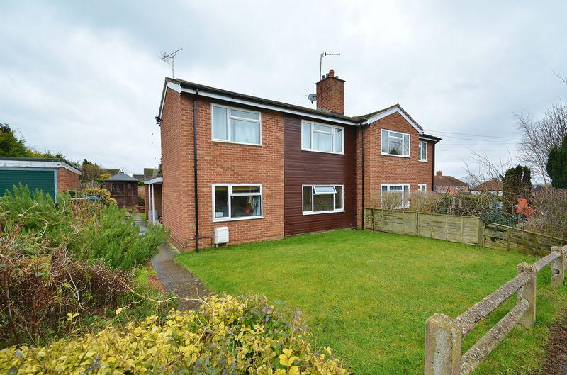 1 Bedroom Apartment Flat for sale in Meadowbank Close, Long Crendon