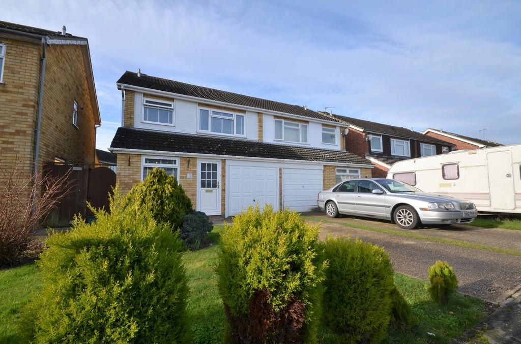 3 Bedrooms Semi Detached House for sale in Norbury Close, Marks Tey, CO6 1XN