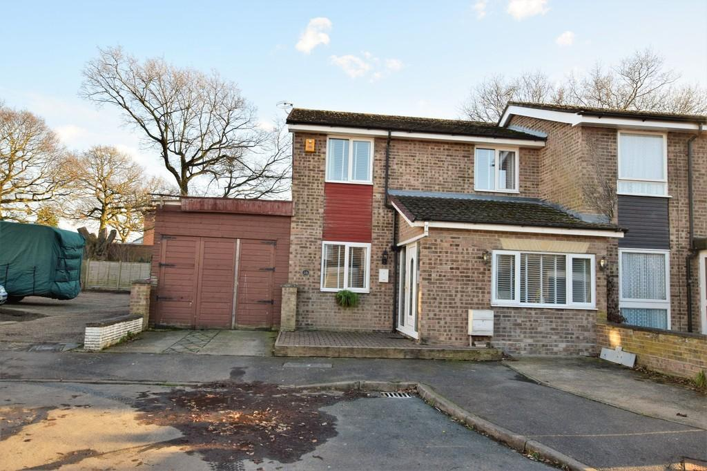 3 Bedrooms Semi Detached House for sale in Great Cornard, Sudbury CO10 0NA