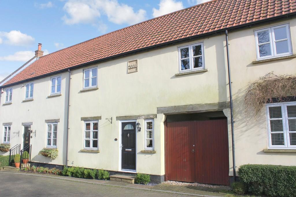 3 Bedrooms Terraced House for sale in Chestnut Parade, Shepton Mallet