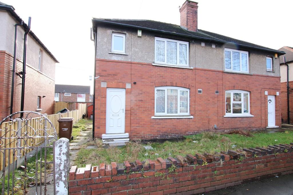 3 Bedrooms Semi Detached House for sale in Moorhouse Avenue, Darnley