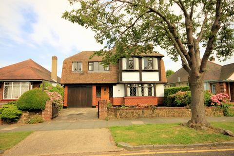 3 bedroom detached house for sale - Branscombe Gardens, THORPE BAY