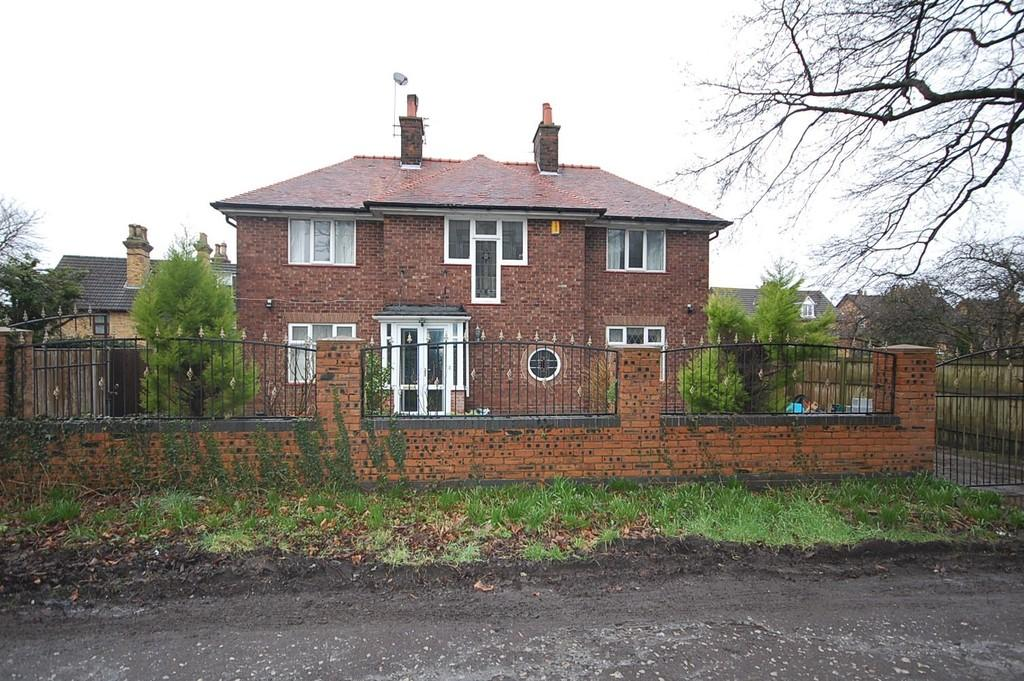 3 Bedrooms Detached House for sale in Park Avenue, Eccleston Park, Prescot