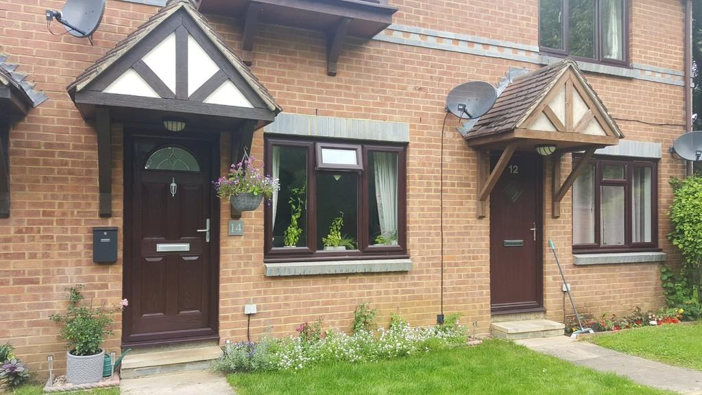 1 Bedroom Ground Maisonette Flat for sale in Lawrence Close, Guildford