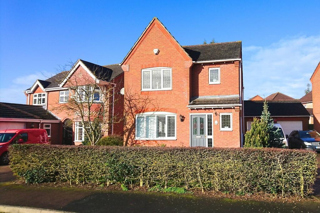 3 Bedrooms Detached House for sale in Heron Drive, Brackley