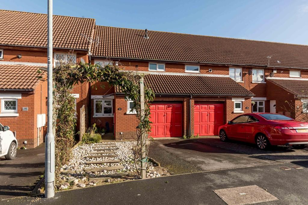 3 Bedrooms Terraced House for sale in Station Road, Portsmouth